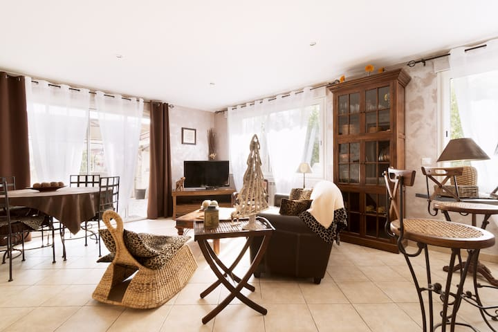 Flat apartment with private garden