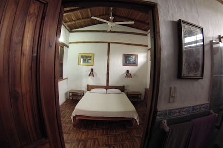 Ayampe Guest House Room #3 - Huis