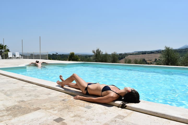 Le Ginestre Apartment, Swimmingpool and Free Wifi