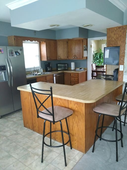 Open Kitchen floor plan- great for large groups