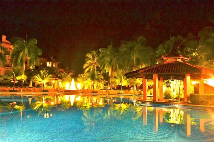 Home away from Home  in Los Sueños Resort - Herradura - Appartement