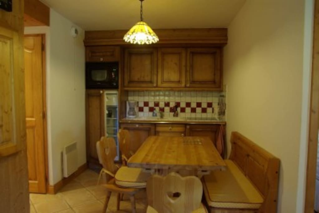Appartement dans chalet individuel chalets for rent in for Appartement individuel