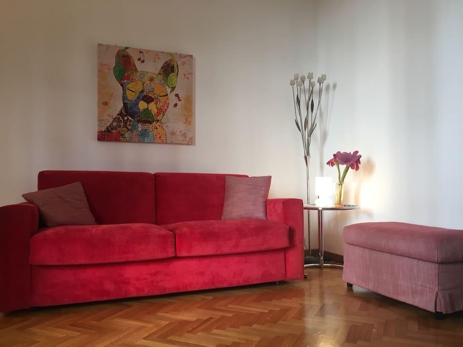 angolo salotto con divano letto