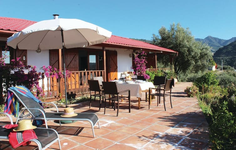 Casa de Madera ideal para familias - Málaga - Hus