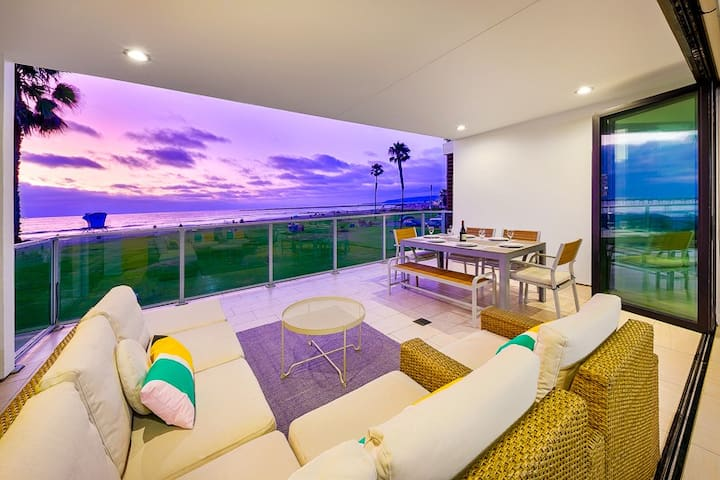 25% OFF JAN - Oceanfront Condo, Water Views, Steps to Beach +More