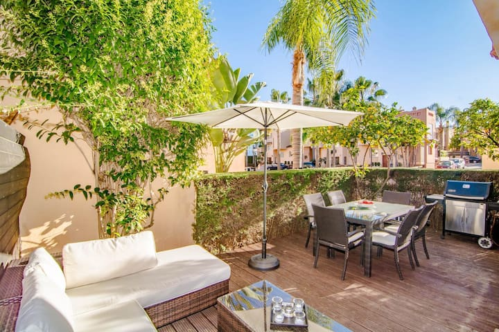 Large townhouse very close to Puerto Banus-CDI - Marbella - Bed & Breakfast