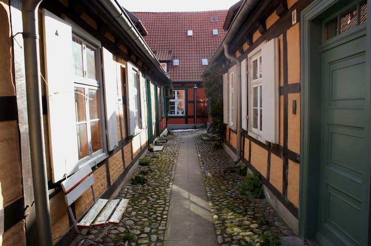 Historisches Haus am Hafen - Stralsund - Hus