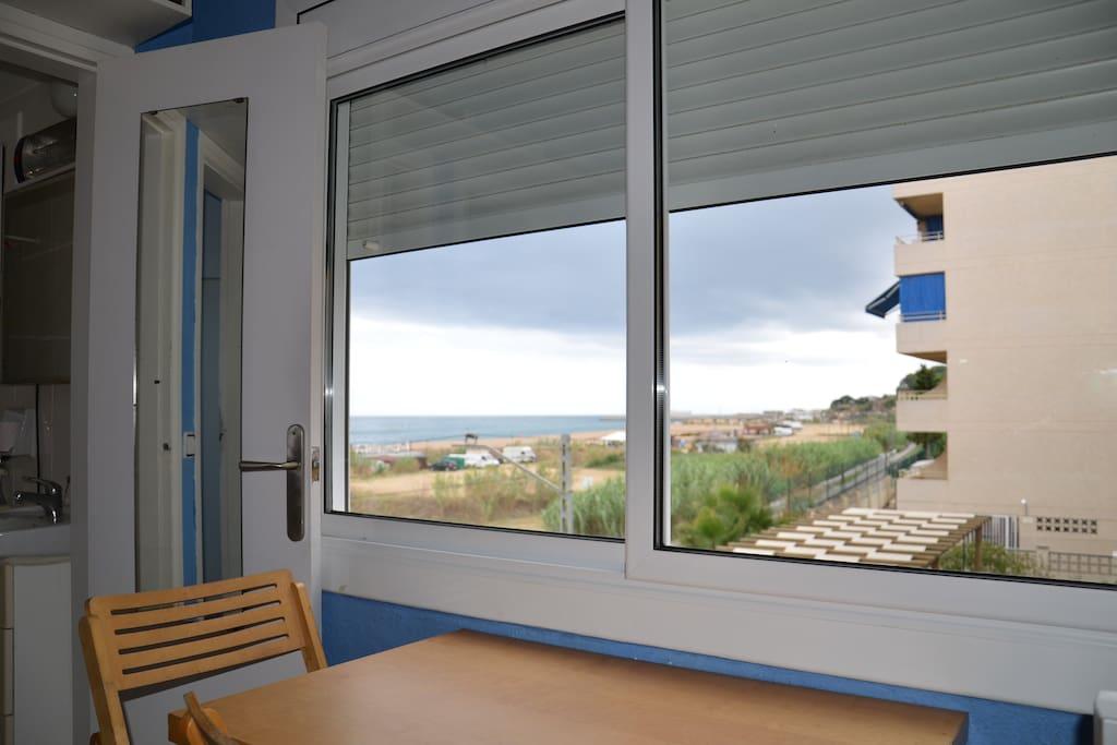 appartement en bord de mer canet de mar appartements louer canet de mar catalogne espagne. Black Bedroom Furniture Sets. Home Design Ideas