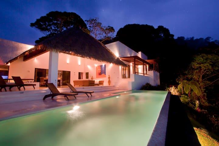Breathtaking oceanview luxury villa - Uvita - Villa
