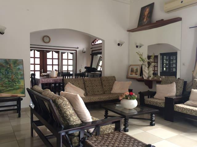 2 Chbs individuelles dans Villa urbaine, Cotonou