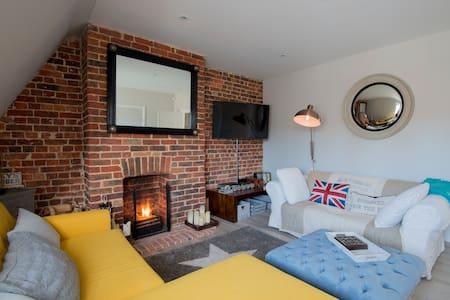 Midhurst Loft style Apartment - Midhurst - Apartamento