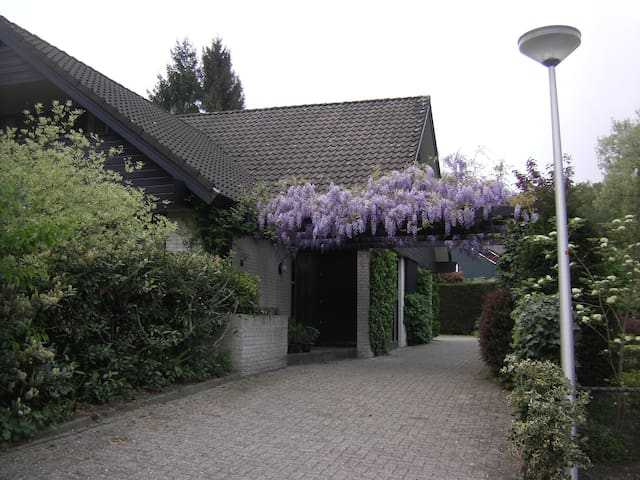 Enschede beautiful B&B or room - Enschede - Bed & Breakfast
