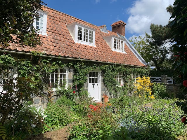Charming Guernsey Cottage