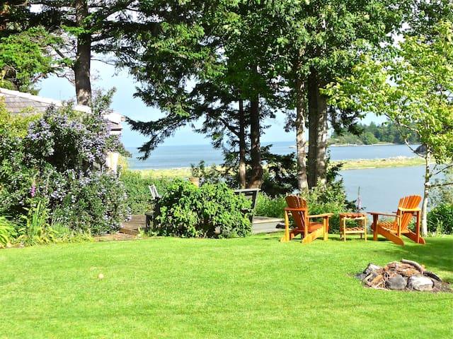 Beachwood Cottage, quiet waterfront - Victoria - Blockhütte