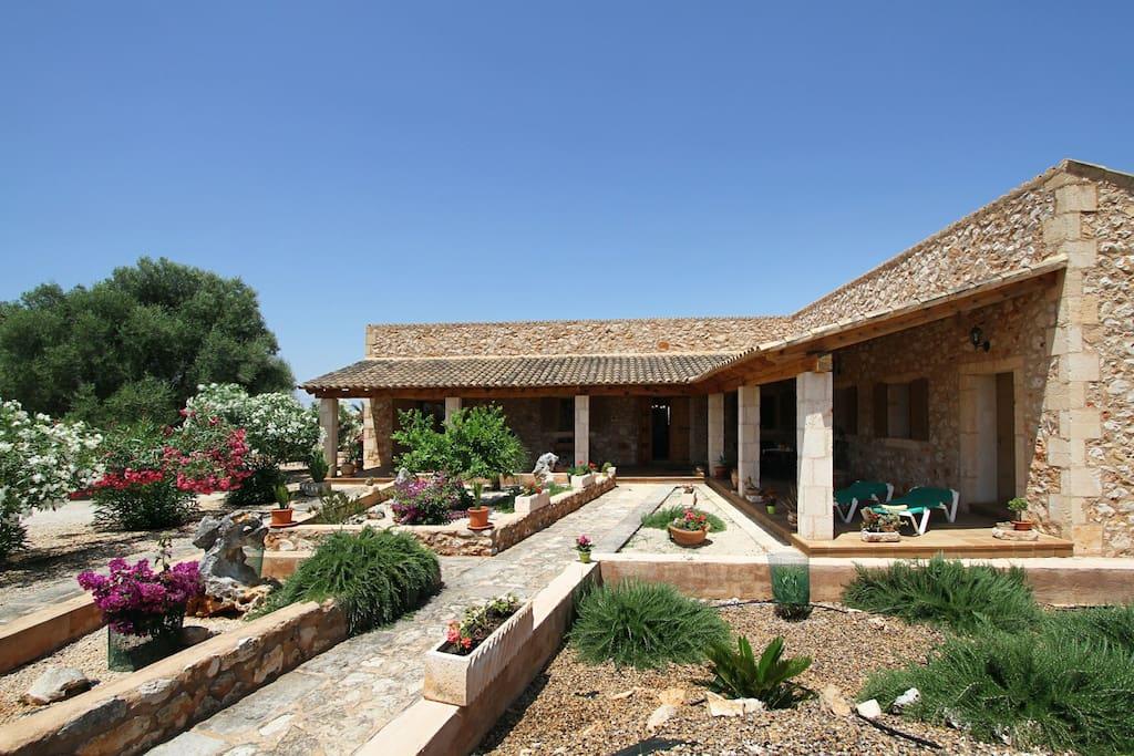 Sa rota casa rural con piscina cerca de es trenc casas for Casas con piscina mallorca