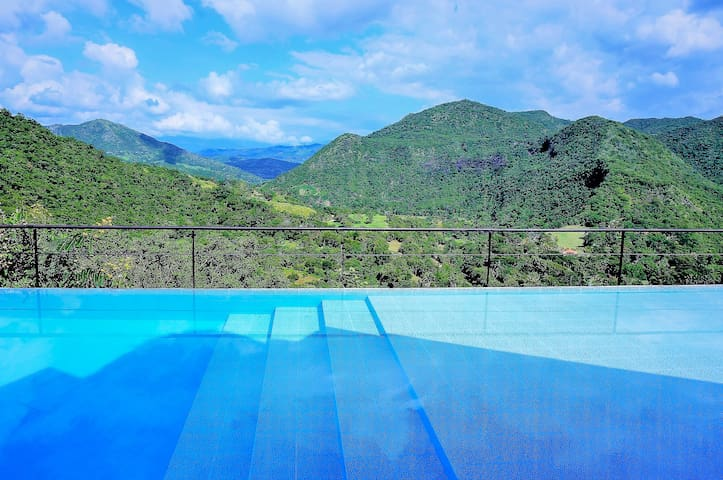 The Best Views @ the Premier Private Club in Apulo