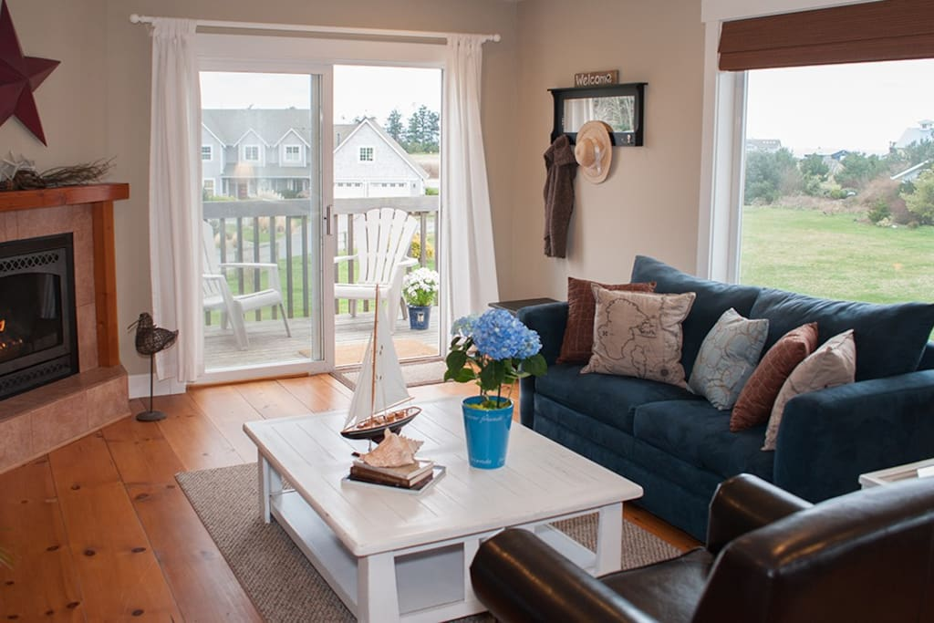 Spacious Floor Plan and Sweeping Views