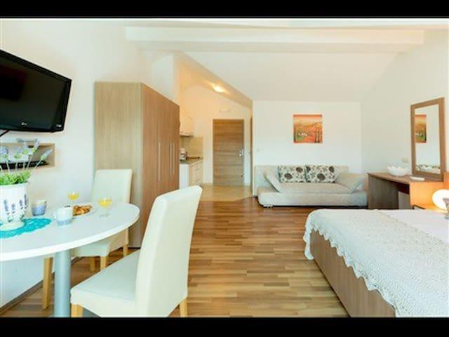 Studio apartment in Dubrovnik N°1