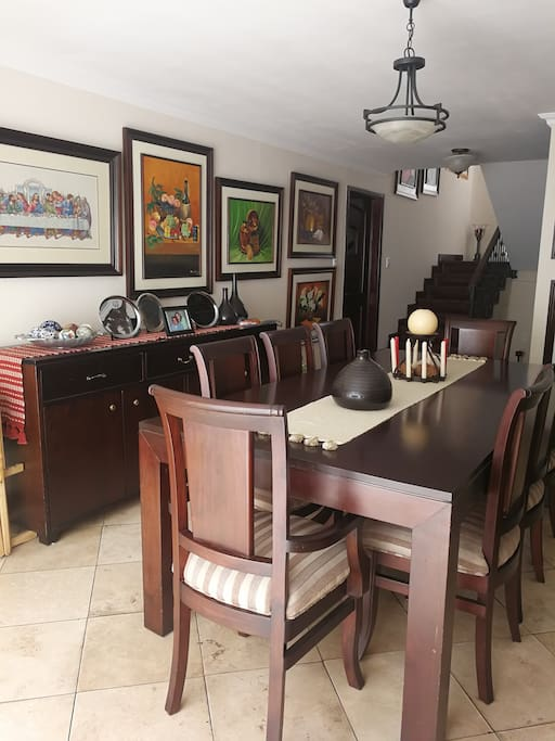 DINING ROOM-COMEDOR
