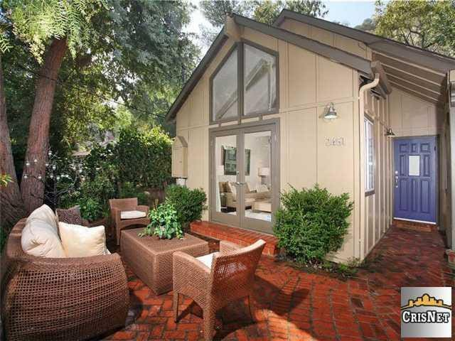 Laurel Canyon Bungalow style retreat (full home)