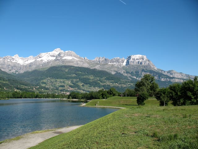 STUDIO near lake at the Mt Blanc foot