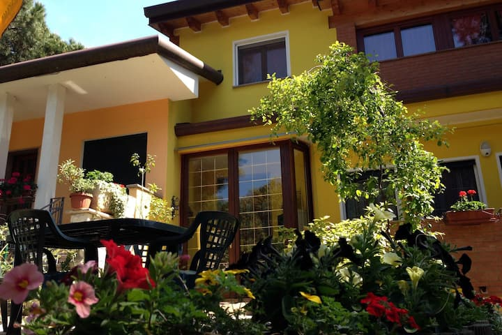 Detached Villa in Rosolina Mare near Sea