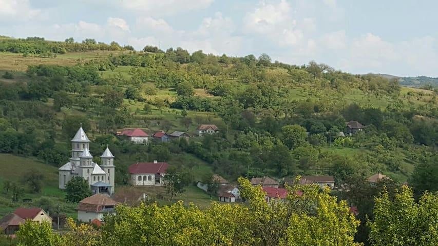 Cozy house in Transylvania - Băiţa - Huis