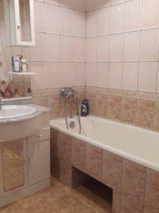 Ванная (bathroom)