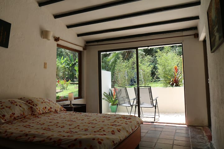 The ROOM OF THE SUN, also available as ANDROMEDA MAGICA  3 /  El CUARTO DEL SOL, también disponible como ANDROMEDA MAGICA 3