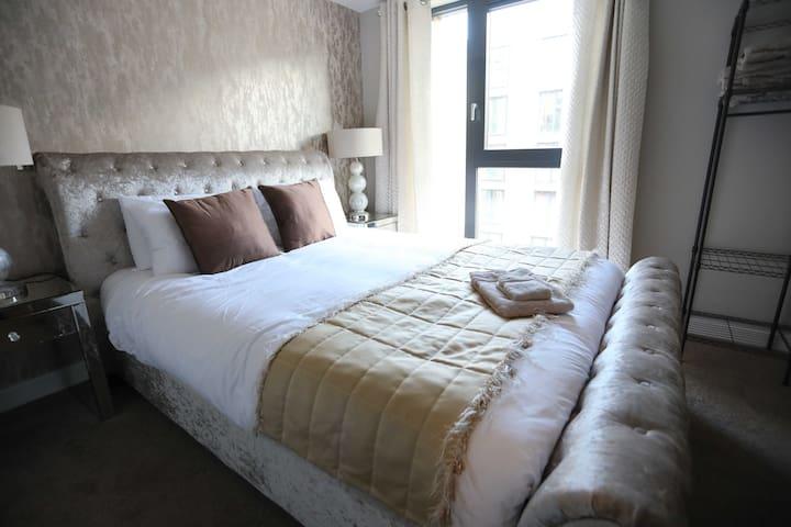 One Bedroom Apartment In Birmingham City Centre