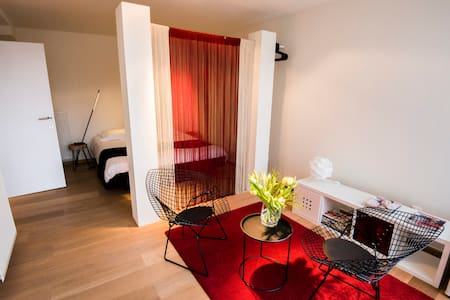 Private rooms/with parking/private entry/centre - Gent - Wohnung