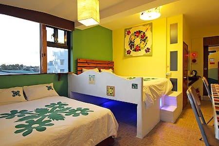 SeaView Room for 4-P w/balcony面海4人房