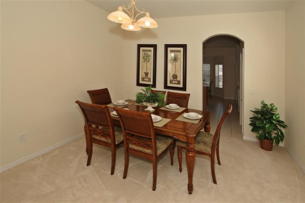 Dining Room Area for 6 People