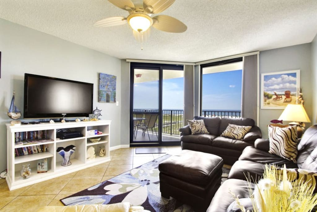 Spacious Living Area with Balcony Access
