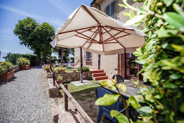 Casa Luna Superior Garden House on Etruscan Hillls