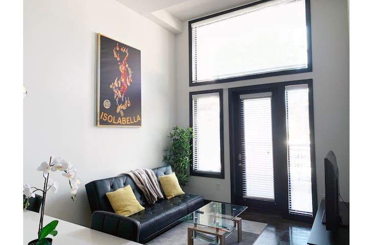 ISOLABELLA | Modern Luxury Condo Midtown W/PARKING
