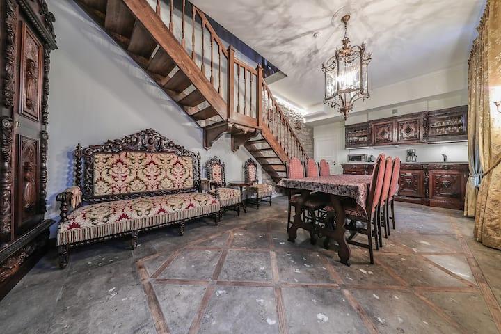 Rahukohtu Luxury Medieval 2-floor apartament