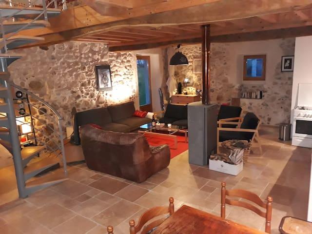 """la """"Cabane"""" au pied des Pyrénées"""