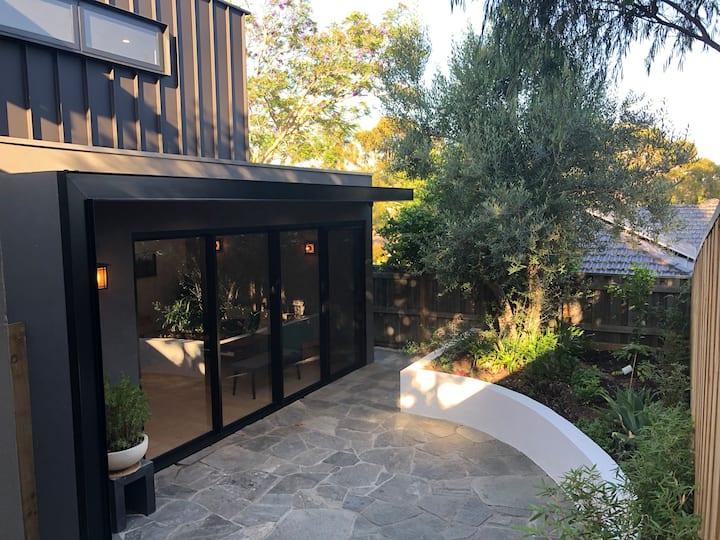 The Downs Ryokan - Designer beach Villa with Wifi