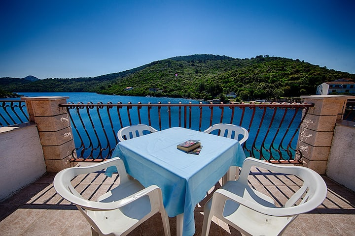 Apartments Malo Lago - One-Bedroom Apartment with Two Balconies and Sea View - Attic
