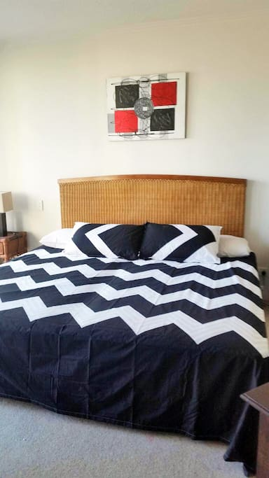 King Bed or Can split into Two King Singles.