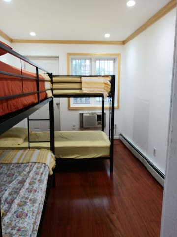Single Bed/1 person/ Bed #3 $30/day shared room