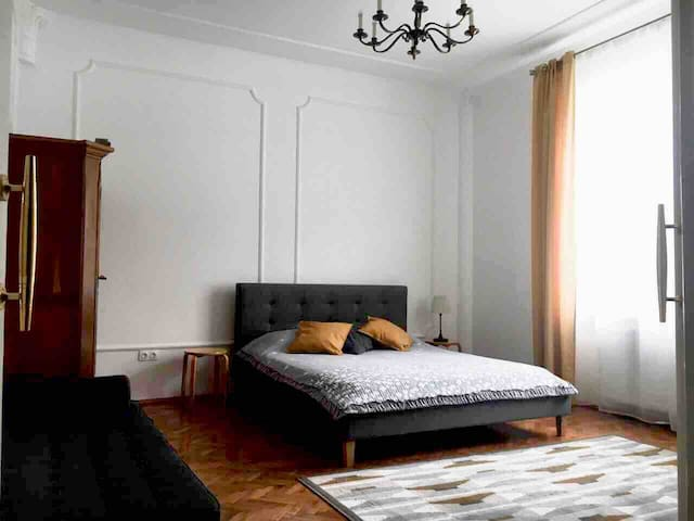 Sunny apartments in the center of Chernivtsi