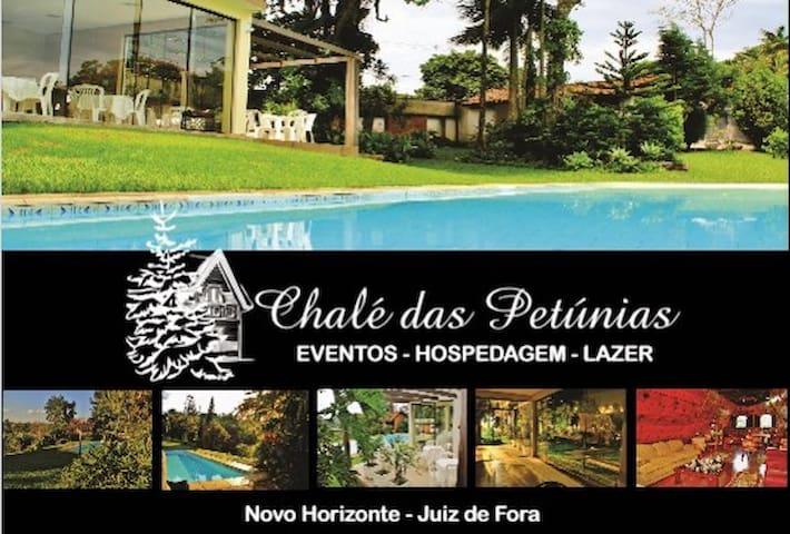 """Chácara para Temporada JF/MG """"Chalé das Petúnias"""""""