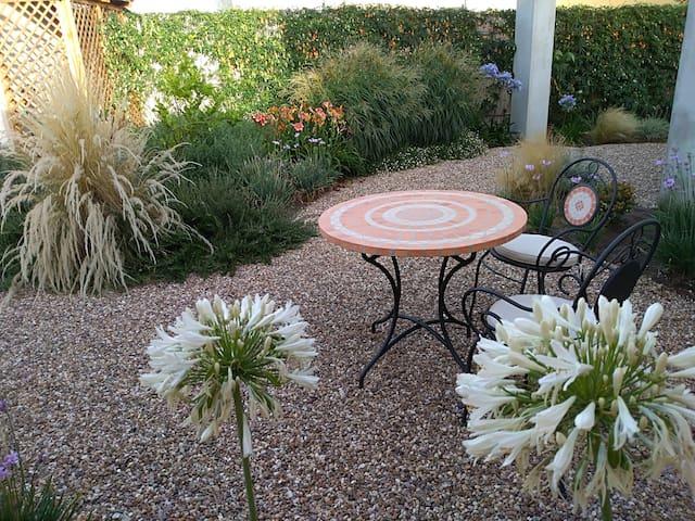 wonderful garden and free wireless.