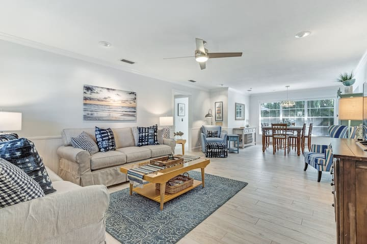 Lovely family home w/private pool and beach access!