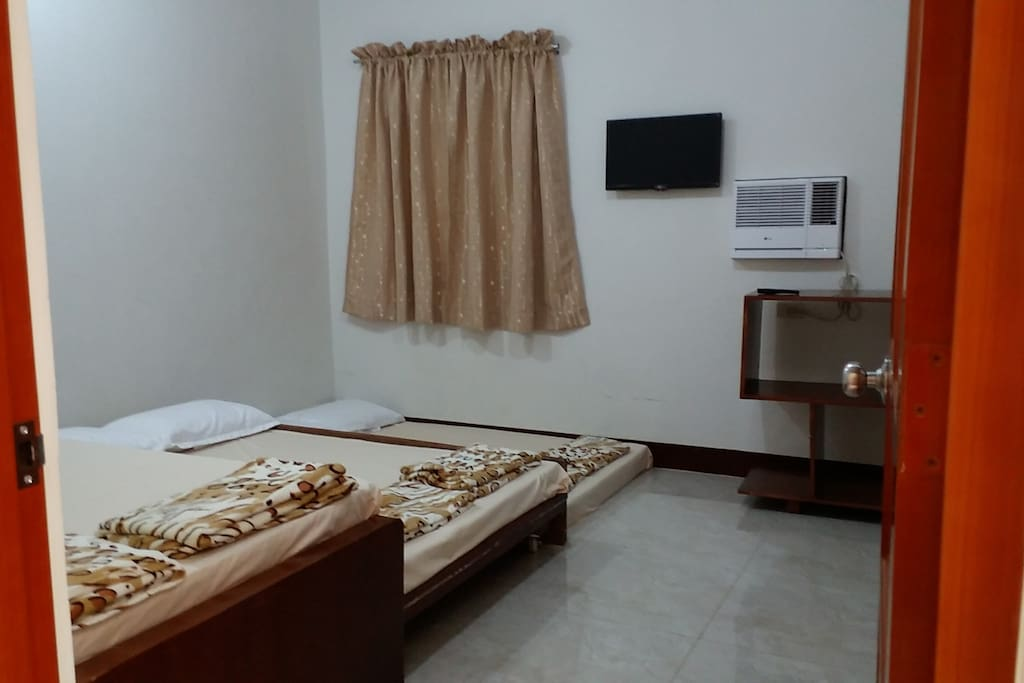 Private Room for upto 6 pax, airconditioned, bath & toilet ensuite