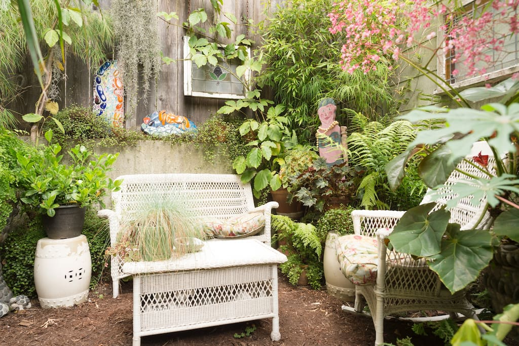 Four Photo Overview: 3) Our private secret Garden. Nice place to enjoy your morning coffee or a glass of wine after a day of exploring.