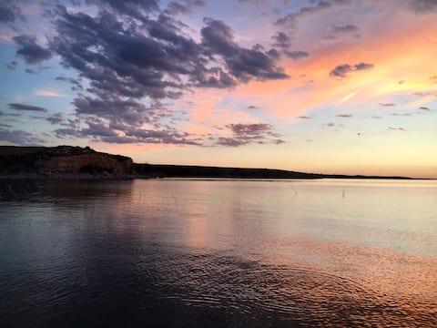 Lake Mcconaughy Retreat