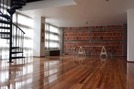 Escandon/Condesa  2 floor Zen loft, full of light. - Mexiko-Stadt